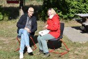 Geschäftsführer Thomas Enkelmann mit Referentin Schulentwicklung